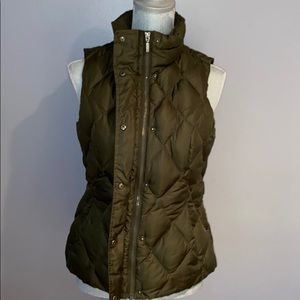 Woman's Eddie Bauer Dark Green Vest Small